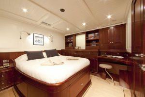 AURELIUS 111 master cabin