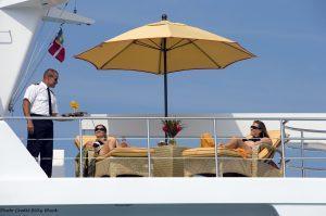 Nicholson Yachts, Charter Yacht Nicholson Yachts Newport Rhode Island, Charter Yacht Vacation, Motor Yacht Charter Vacation, Holiday Charter Yacht, Caribbean Charter Yacht, Bahamas Charter Yacht, Luxury Yacht Charter, Private Yacht Charter, Nicholson Yachts, Super Yacht Charter, Mega Yacht Charter,