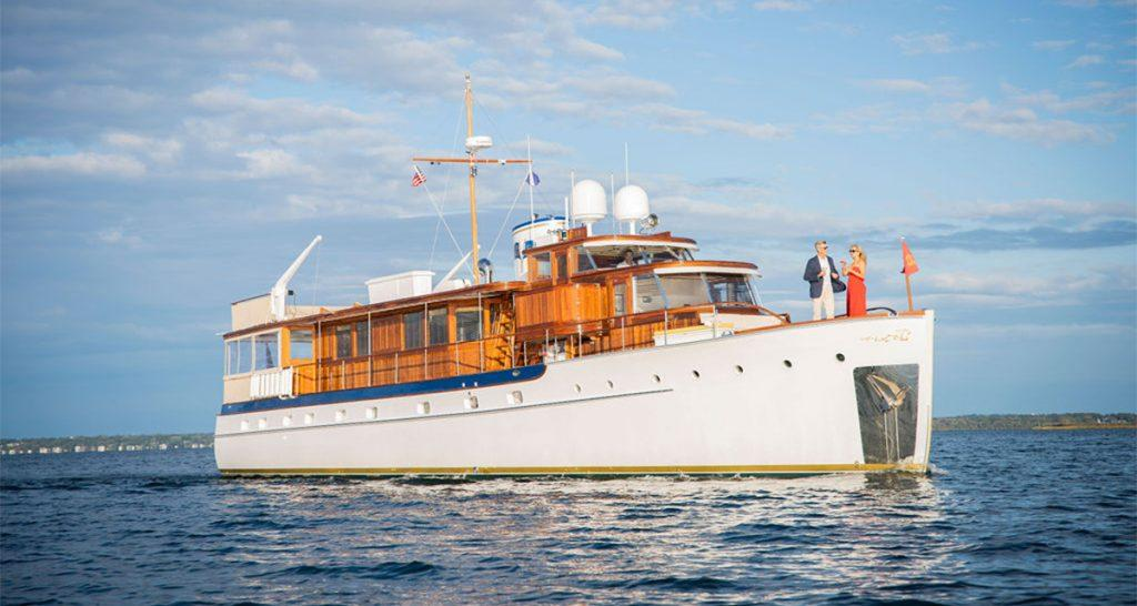 80' Trumpy motor yacht BB