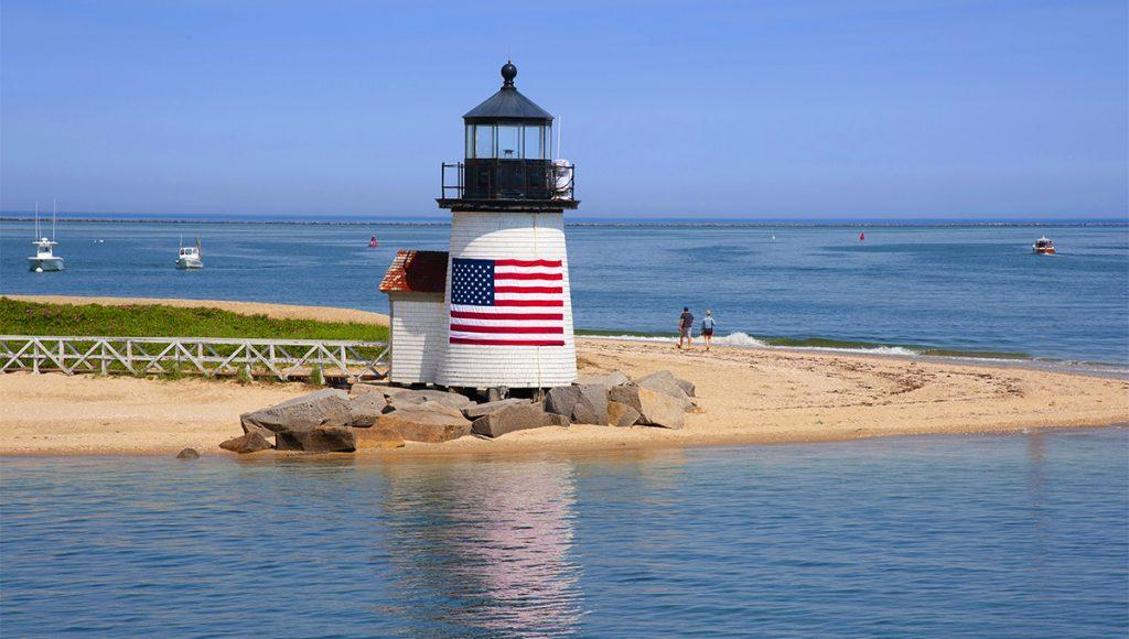 Memorial Day travel. Here are the best yacht charter vacations kick off summer 2021.